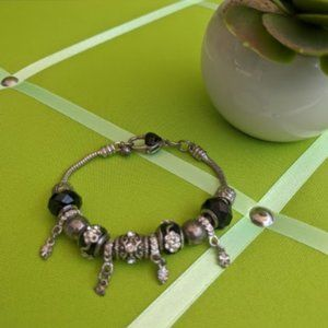 Snake Chain Charm Bracelet with Heart Closure